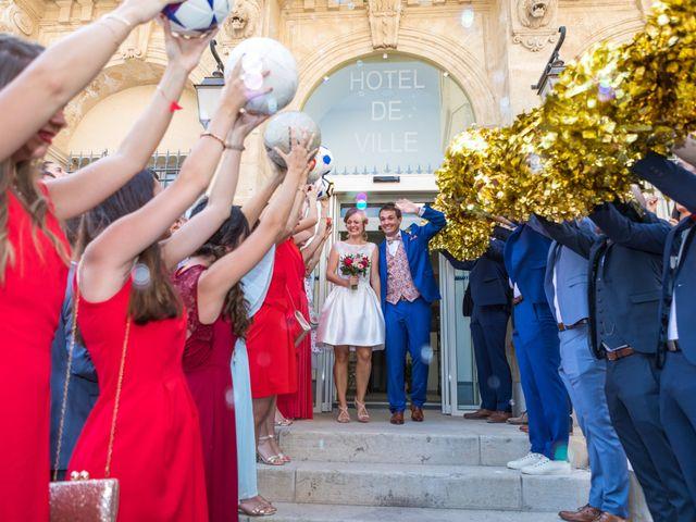 Le mariage de Robin et Laura à Servian, Hérault 32