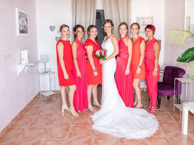 Le mariage de Robin et Laura à Servian, Hérault 41