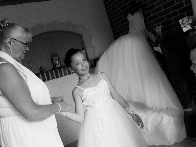 Le mariage de Laurent et Emilie à Monchecourt, Nord 15