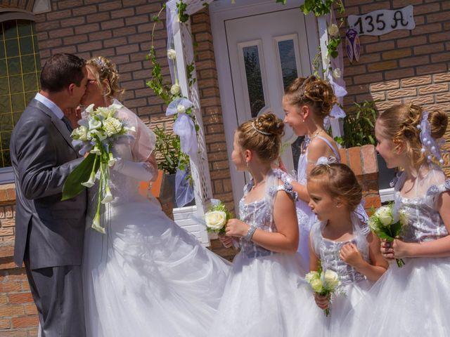 Le mariage de Laurent et Emilie à Monchecourt, Nord 36