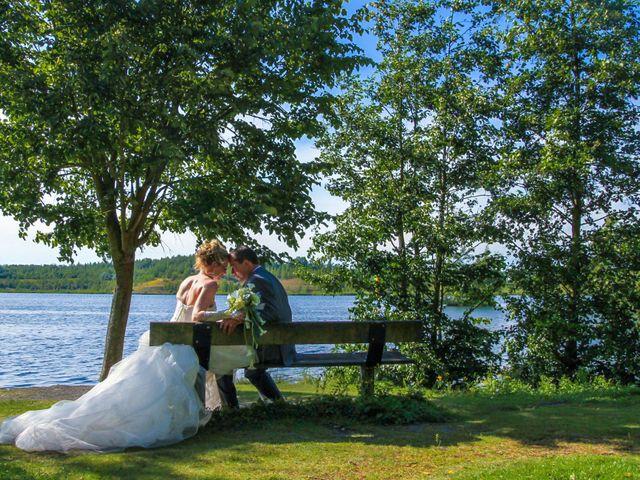 Le mariage de Laurent et Emilie à Monchecourt, Nord 89