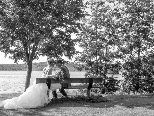 Le mariage de Laurent et Emilie à Monchecourt, Nord 90