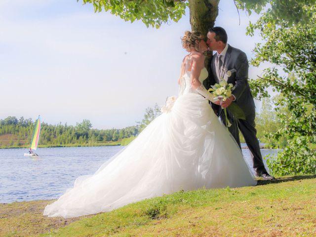 Le mariage de Laurent et Emilie à Monchecourt, Nord 92