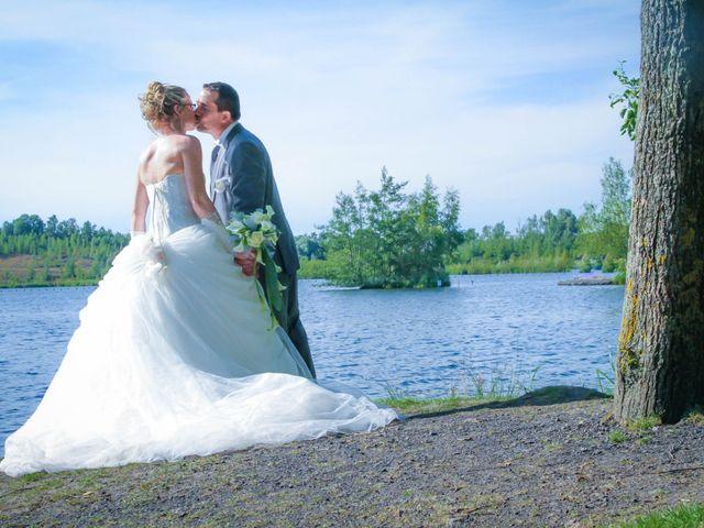 Le mariage de Laurent et Emilie à Monchecourt, Nord 93