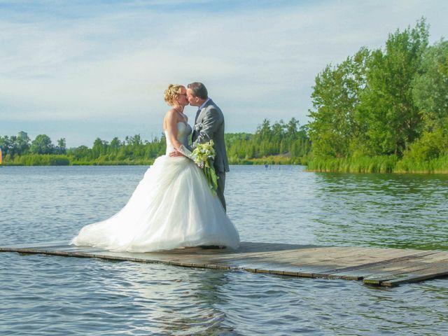 Le mariage de Laurent et Emilie à Monchecourt, Nord 94
