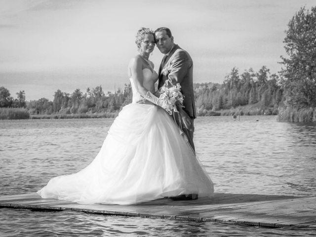 Le mariage de Laurent et Emilie à Monchecourt, Nord 95