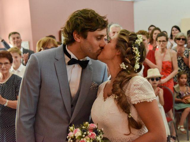 Le mariage de Hugo et Marlène à Fontaine-le-Comte, Vienne 27