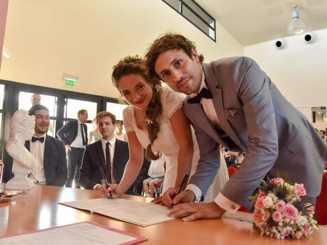 Le mariage de Hugo et Marlène à Fontaine-le-Comte, Vienne 28
