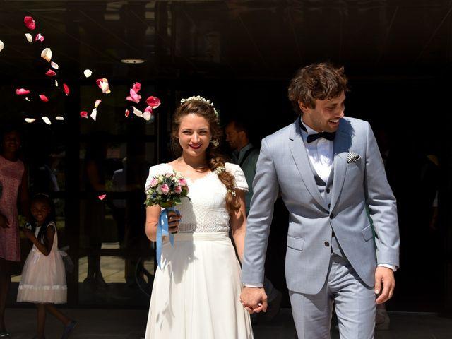 Le mariage de Hugo et Marlène à Fontaine-le-Comte, Vienne 31