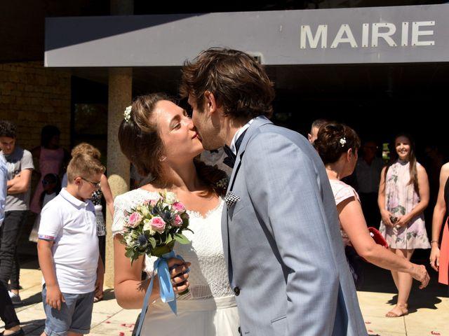 Le mariage de Hugo et Marlène à Fontaine-le-Comte, Vienne 32