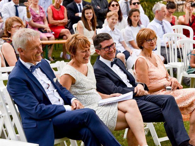 Le mariage de Hugo et Marlène à Fontaine-le-Comte, Vienne 41