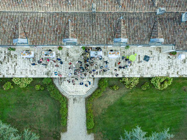 Le mariage de Benjamin et Adeline à Saint-Christophe-des-Bardes, Gironde 39