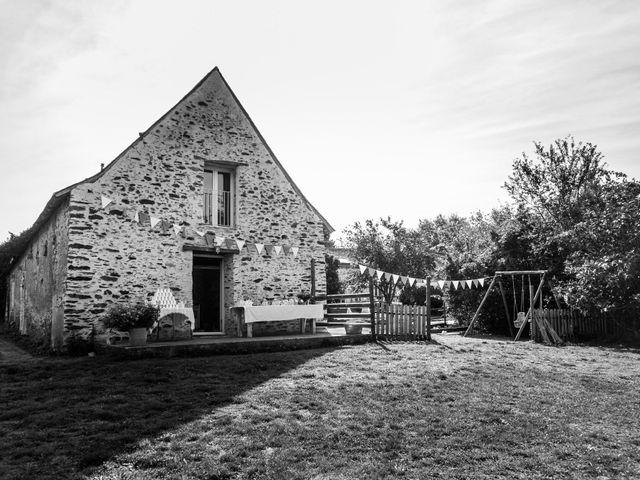 Le mariage de Florent et Amélie à Châteauneuf-sur-Sarthe, Maine et Loire 2
