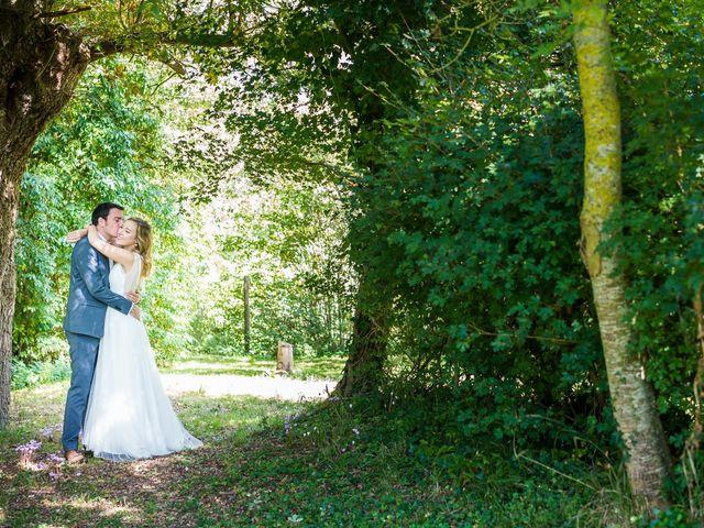 Le mariage de Florent et Amélie à Châteauneuf-sur-Sarthe, Maine et Loire 13