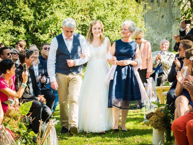 Le mariage de Florent et Amélie à Châteauneuf-sur-Sarthe, Maine et Loire 30