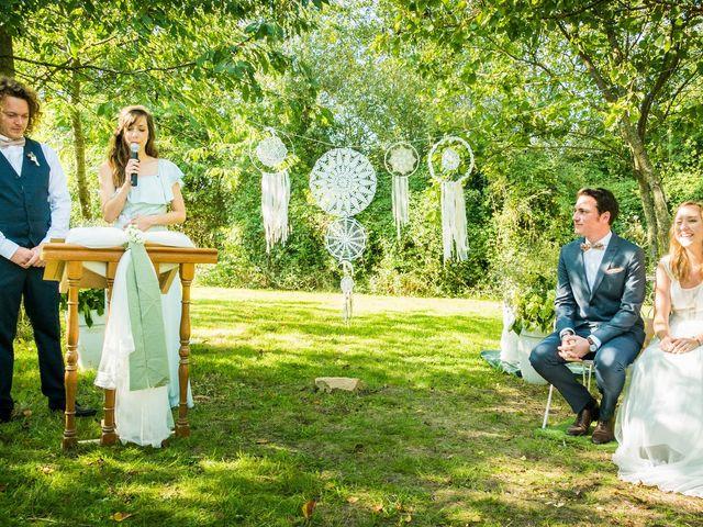 Le mariage de Florent et Amélie à Châteauneuf-sur-Sarthe, Maine et Loire 31