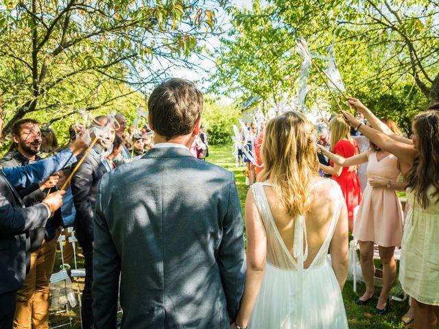 Le mariage de Florent et Amélie à Châteauneuf-sur-Sarthe, Maine et Loire 44