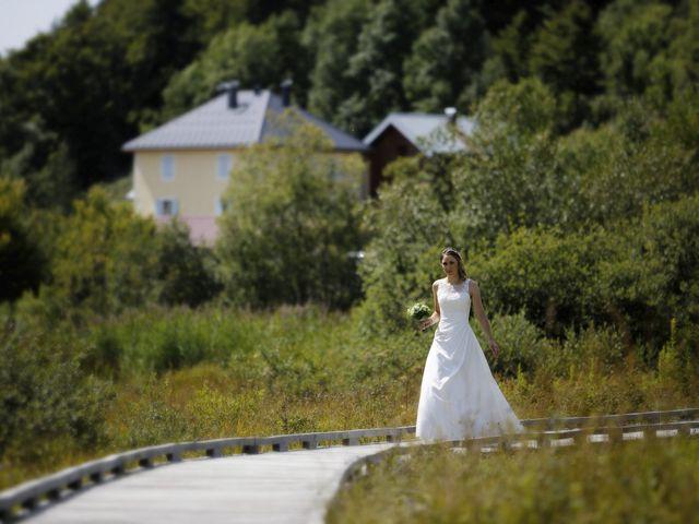 Le mariage de Alexandre et Elodie à Lamoura, Jura 1
