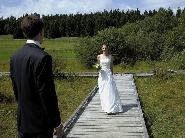 Le mariage de Alexandre et Elodie à Lamoura, Jura 4