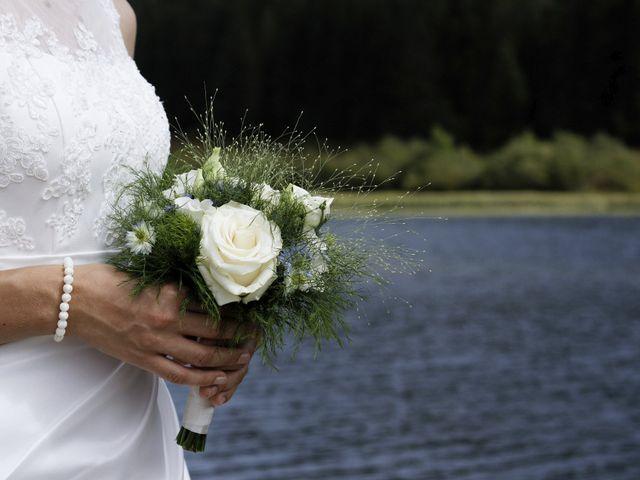 Le mariage de Alexandre et Elodie à Lamoura, Jura 9