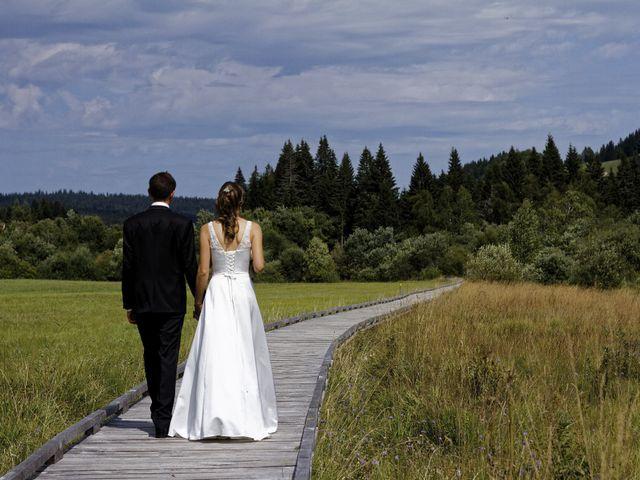 Le mariage de Alexandre et Elodie à Lamoura, Jura 12
