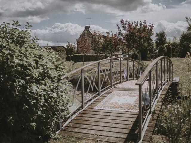 Le mariage de Julien et Louisa à Saint Sulpice sur Loire, Maine et Loire 1