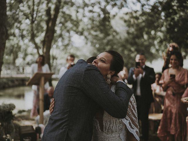 Le mariage de Julien et Louisa à Saint Sulpice sur Loire, Maine et Loire 35
