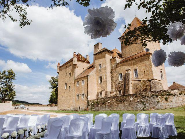 Le mariage de Xavier et Franceska à Pierreclos, Saône et Loire 22