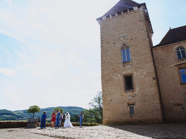 Le mariage de Xavier et Franceska à Pierreclos, Saône et Loire 25