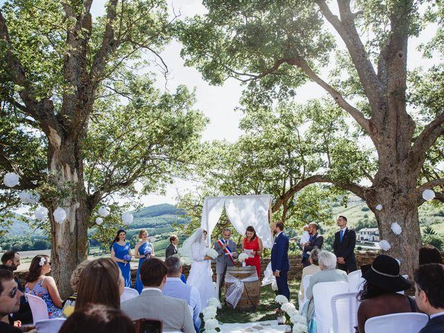 Le mariage de Xavier et Franceska à Pierreclos, Saône et Loire 28