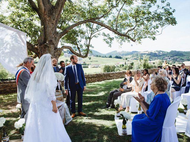 Le mariage de Xavier et Franceska à Pierreclos, Saône et Loire 32