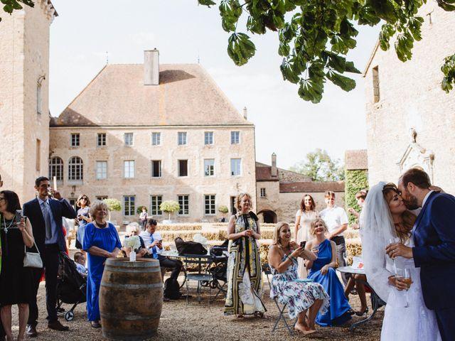 Le mariage de Xavier et Franceska à Pierreclos, Saône et Loire 38