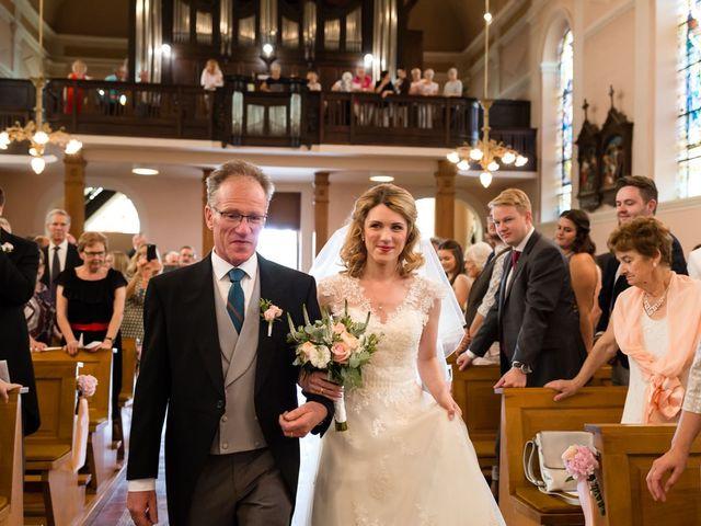 Le mariage de Rob et Emilie à Bouzonville, Moselle 8