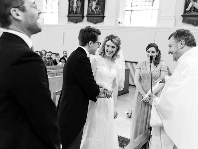 Le mariage de Rob et Emilie à Bouzonville, Moselle 10
