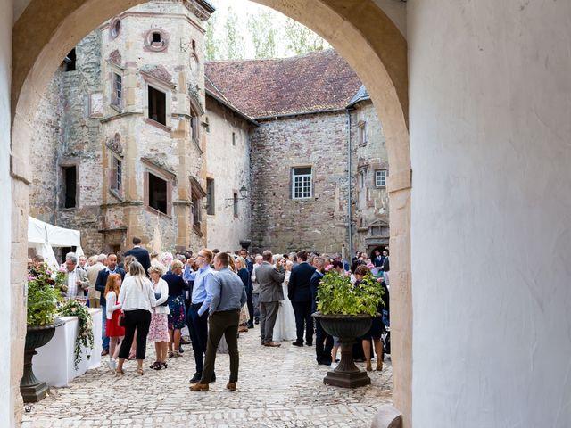 Le mariage de Rob et Emilie à Bouzonville, Moselle 16
