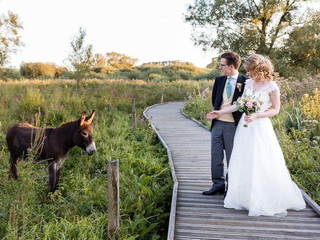 Le mariage de Rob et Emilie à Bouzonville, Moselle 19