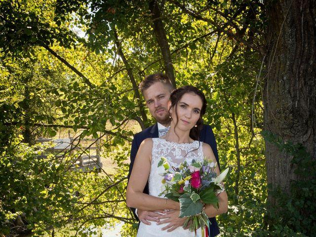 Le mariage de Yoann et Marlène à Cuzieu, Loire 15