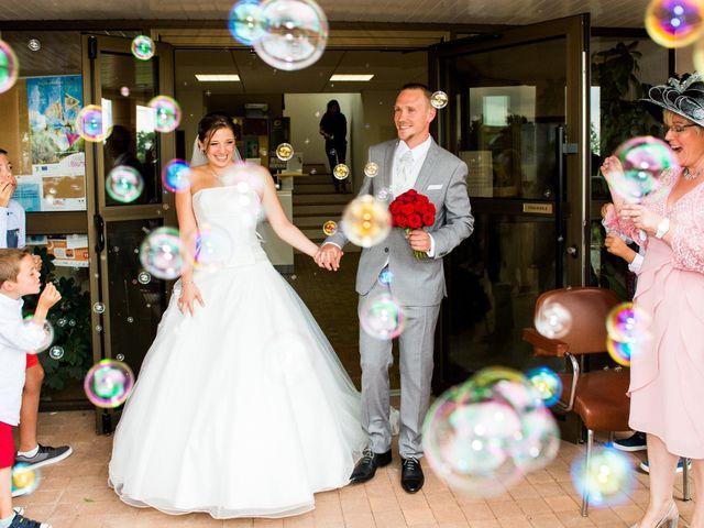 Le mariage de Sampsa et Aurore à Nérigean, Gironde 10