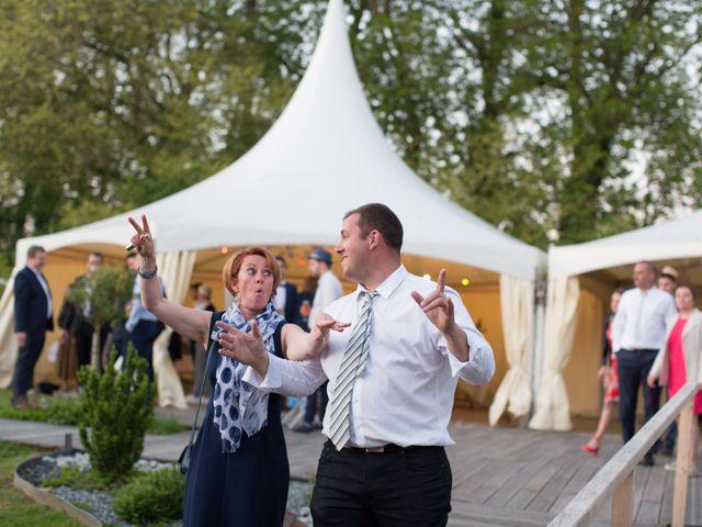 Le mariage de Matthieu et Manon à Gonneville-la-Mallet, Seine-Maritime 44