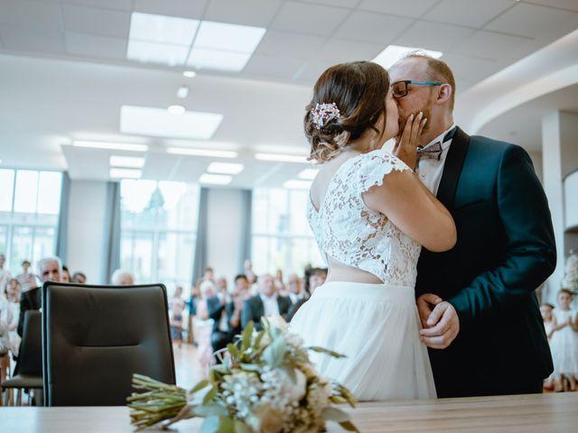 Le mariage de Anthony et Hélène à Fameck, Moselle 15