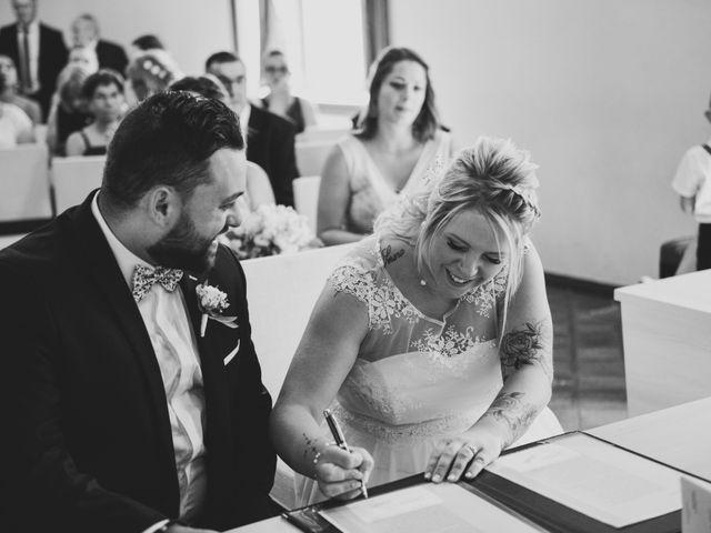Le mariage de Johan et Christelle à Jujurieux, Ain 16