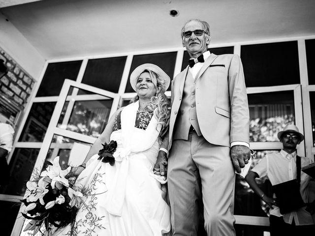 Le mariage de Eric et Yolha à Ouzouer-le-Marché, Loir-et-Cher 3