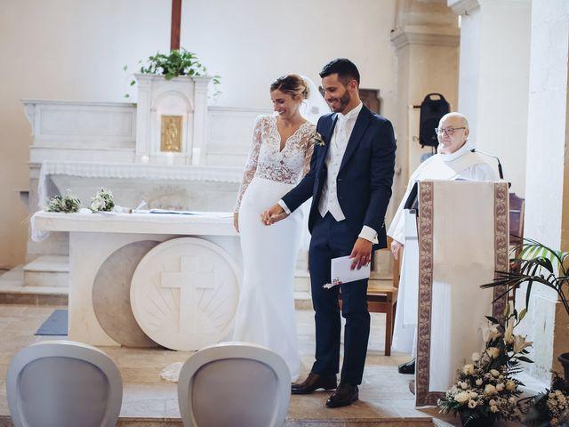 Le mariage de Nicolas et Amandine à Tarascon, Bouches-du-Rhône 24
