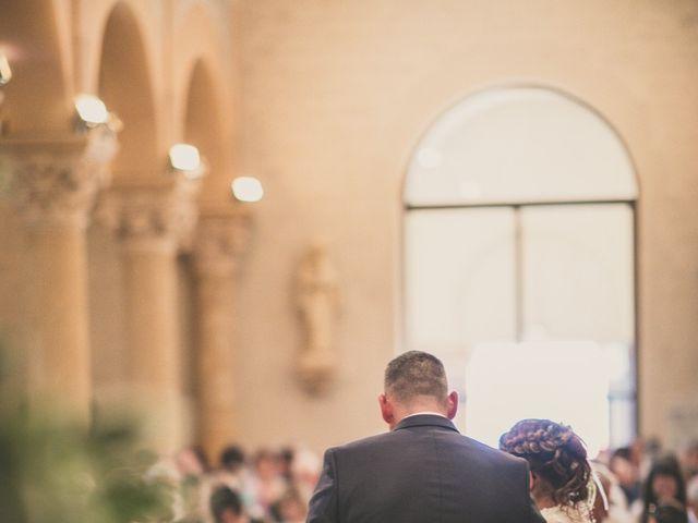 Le mariage de Aurélien et Émilie à Sainte-Foy-l'Argentière, Rhône 23