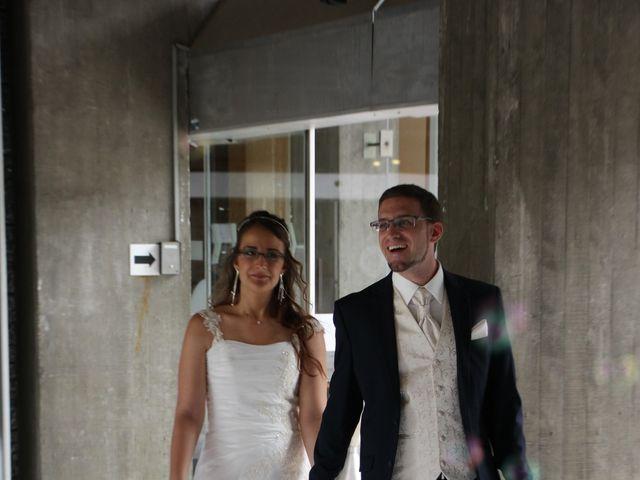 Le mariage de Lionel et Estelle à Grenoble, Isère 13