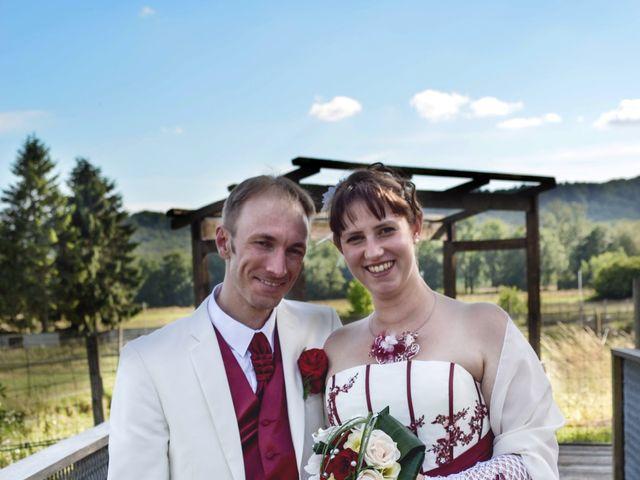 Le mariage de Gabriel et Cyrielle à Vendresse, Ardennes 10