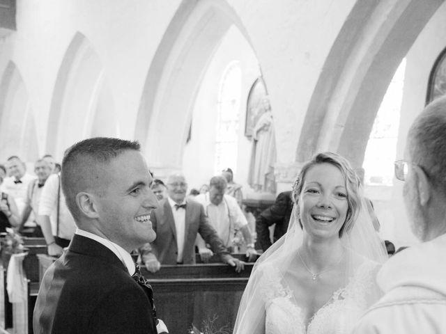 Le mariage de Marine et Florian à Berville-sur-Mer, Eure 32