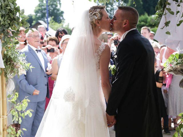 Le mariage de Marine et Florian à Berville-sur-Mer, Eure 38