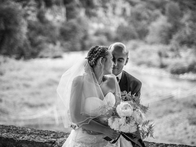 Le mariage de Joffrey et Elody à Labeaume, Ardèche 37