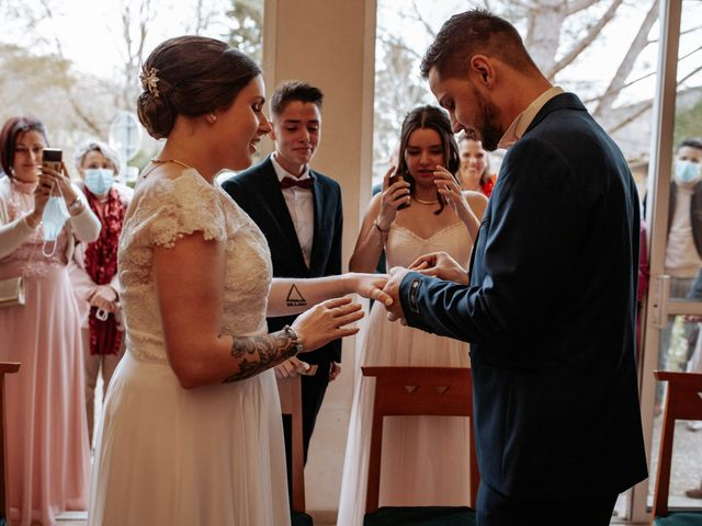 Le mariage de Joshua et Laura à Mirepoix, Ariège 13